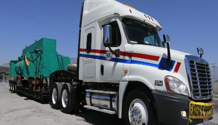 Tractocamiones. Transporte de Maquinaria Pesada en Monterrey, Nuevo León.