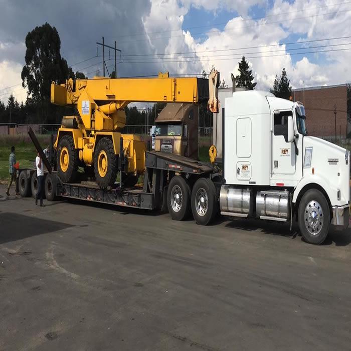 Traslados y Lowboy. Transporte de Maquinaria Pesada en Monterrey, Nuevo León.