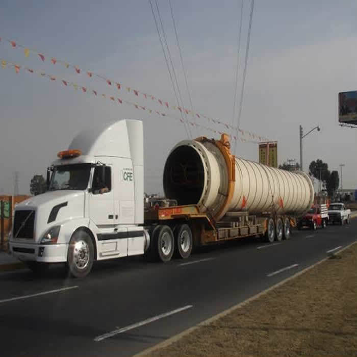 Voluminosos e Indivisibles. Transporte de Maquinaria Pesada en Monterrey, Nuevo León.